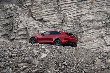 Aston Martin Dbx 2020 017
