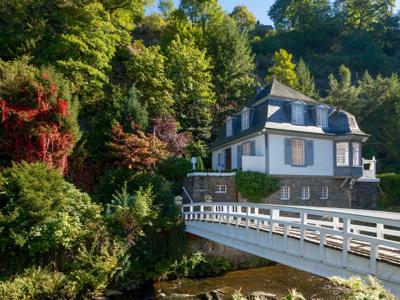 Una preciosa casa en Alemania con exterior clásico e interior moderno