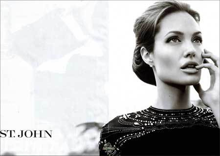 Angelina Jolie para St. John