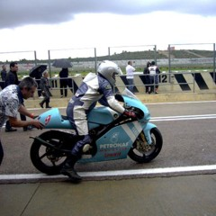 Foto 12 de 15 de la galería dia-ricardo-tormo-2011-clasicas-pasadas-por-agua en Motorpasion Moto