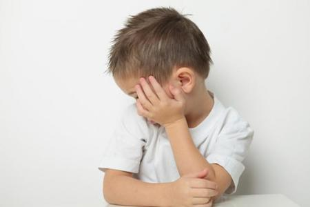 Se asocia el autismo con la exposición a la contaminación al final del embarazo
