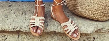 Sandalias planas: cómo llevarlas y dónde encontrar las más bonitas para este verano 2019