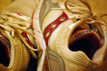 Cómo atar correctamente los cordones de tu zapatilla deportiva