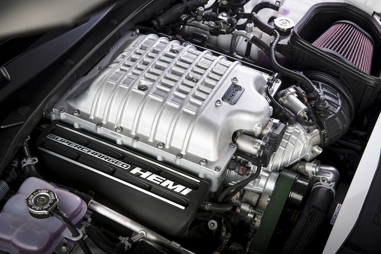 Foto de Dodge Charger SRT Hellcat Redeye 2021 (4/49)