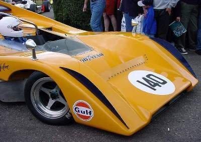 McLaren naranja