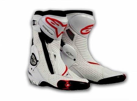 Alpinestars rediseña la bota SMX Plus para mayor confort y seguridad