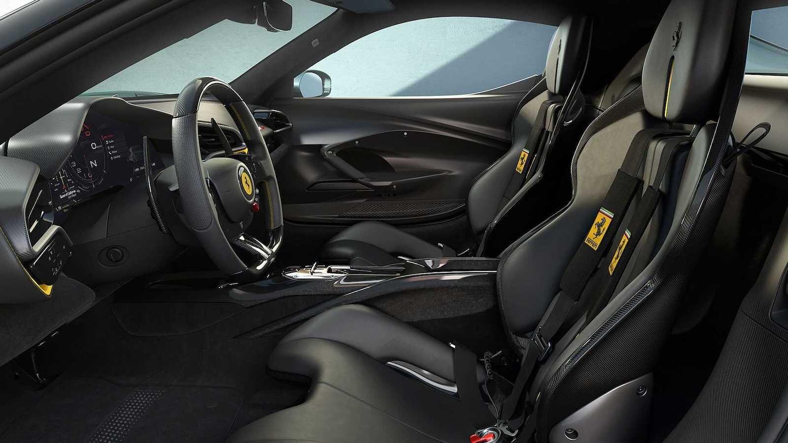 Foto de Ferrari 296 GTB (13/14)