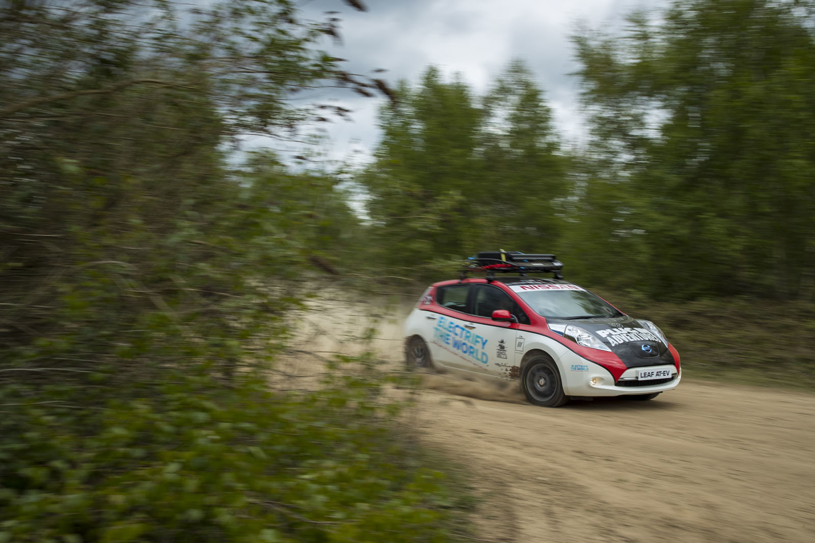 Foto de Nissan Leaf AT-EV (8/19)