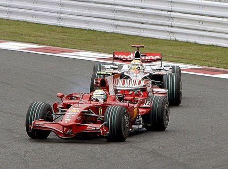 Lewis Hamilton y Felipe Massa siguen fallando