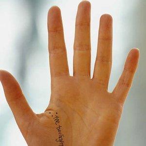 ¿La forma de las manos puede indicar la enfermedad que padeces?