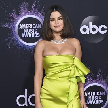 Este es el (mini) vestido de Selena Gómez que ha llevado en los Premios AMA's 2019 y que podrías querer para tus próximos eventos