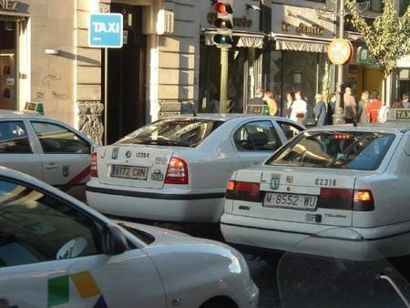 ¿Cómo está siendo la batalla de Uber en las dos grandes capitales españolas?