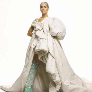 Así ha sido el esperado look de Cristina Pedroche en las Campanadas 2021: un edredón convertido en un mini vestido joya