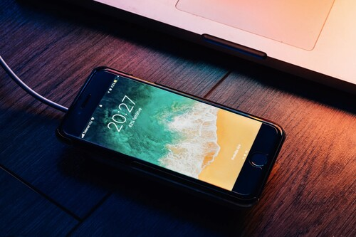 Qué hacer cuando la batería del iPhone se descarga en horas incluso sin usar el teléfono