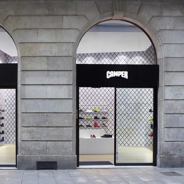 Espacios para trabajar: Sala Camper, la nueva (y artística) tienda de la marca en Portaferrissa