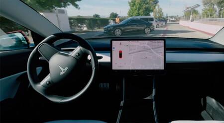 El Autopilot más capaz de Tesla está a punto, pero en versión beta y solo para unos pocos elegidos