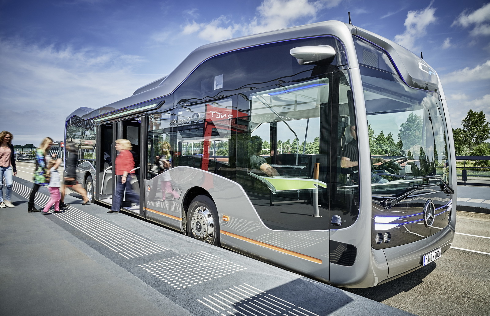 Mercedes-Benz Future Bus