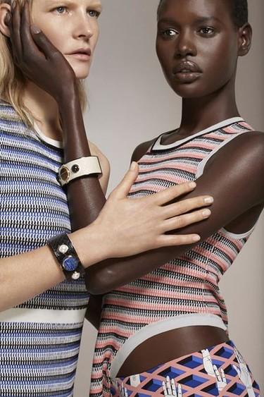 My Intelligent Communication Accessory (MICA), el accesorio wearable más fashion