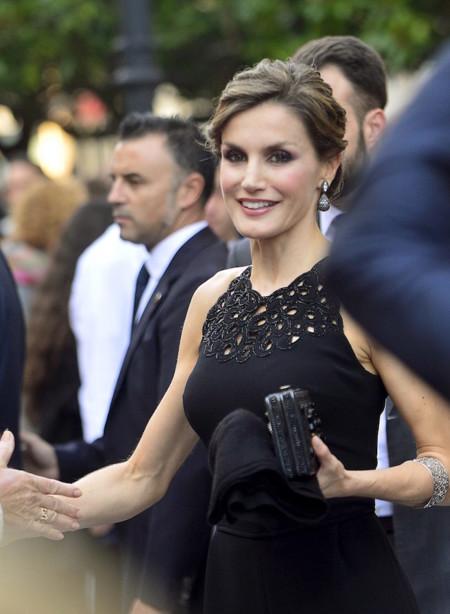 La Reina Letizia inaugura por todo lo alto su presencia en Asturias, se avecinan los primeros Premios Princesa de Asturias