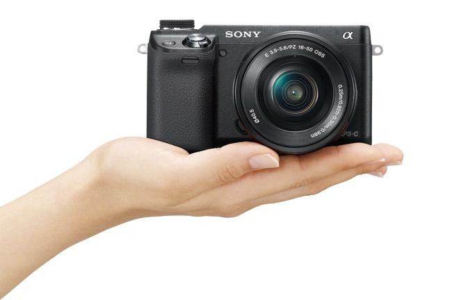 Sony NEX-6 en la mano