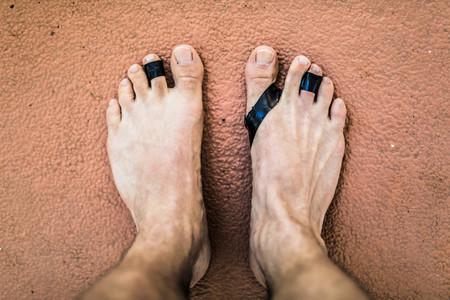 Entrenar descalzo en el gimnasio tiene premio