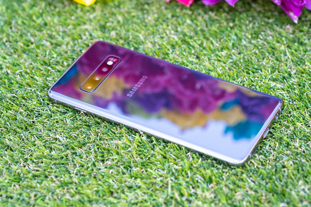 Samsung Galaxy S10plus Trasera 01