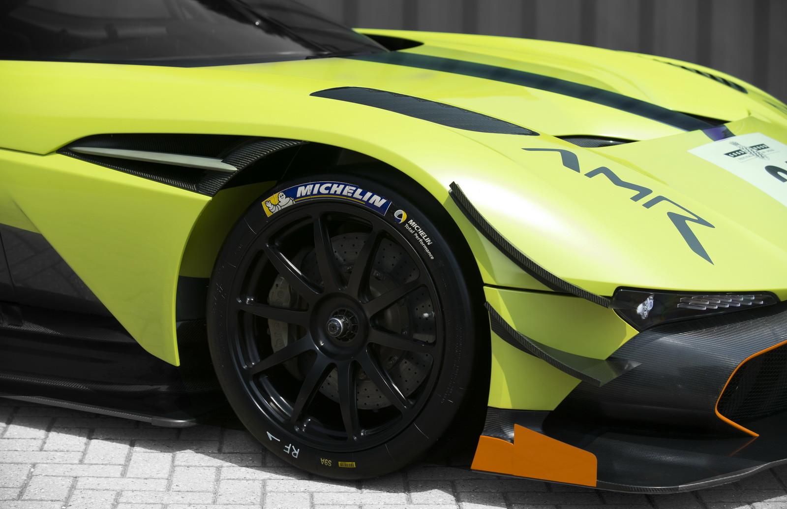 Foto de Aston Martin Vulcan AMR Pro (9/17)