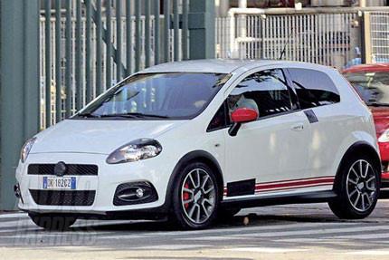 Nuevas fotos espía del Fiat Grande Punto Abarth