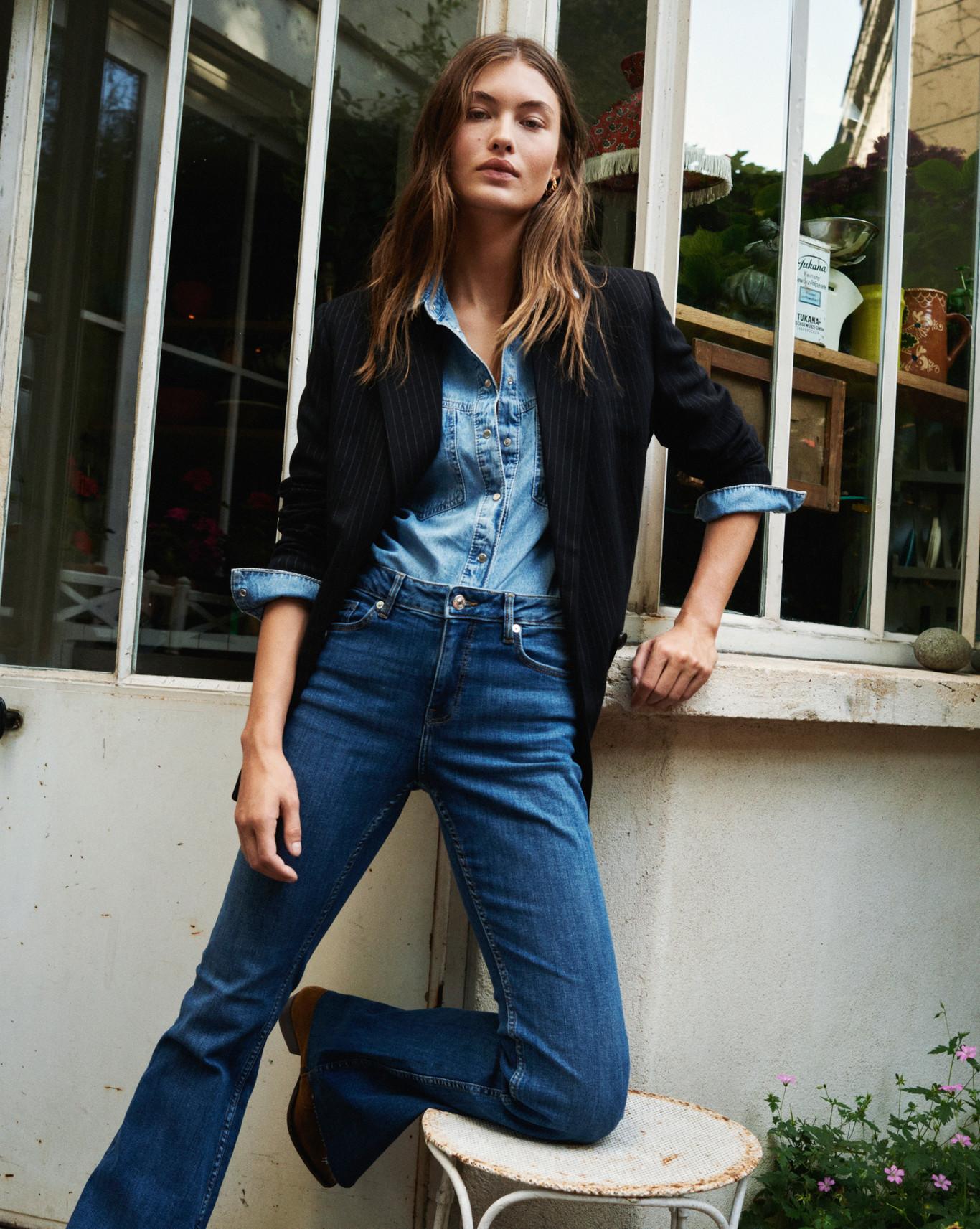 Mango Nos Presenta Su Nueva Campana Looks De Estilo Parisino Ideales Para Dar La Bienvenida Al Otono