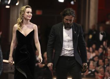 7 cosas que pudieron pasar desapercibidas en los Oscar (con el gran lío final) y que merece la pena recordar