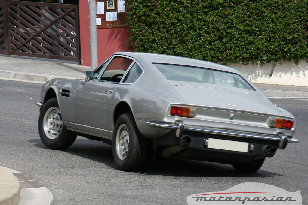 Foto de Aston Martin V8 de 1977 (15/16)