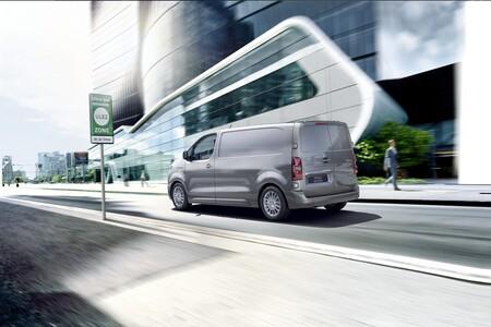 Toyota Proace Electric Van 03