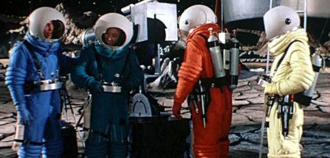 Con destino a la luna 2