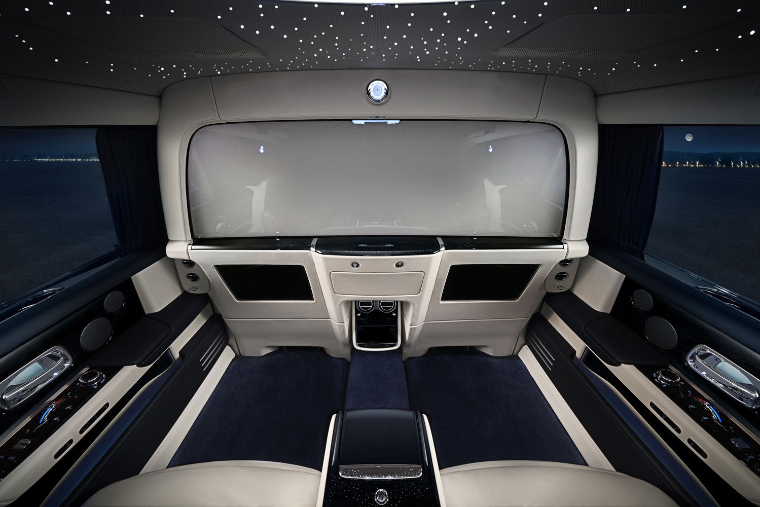 Foto de Rolls-Royce Phantom Privacy Suite (33/42)