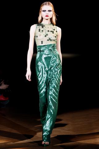 Foto de Givenchy Alta Costura Primavera-Verano 2010: una colección dominada por las transparencias (14/17)