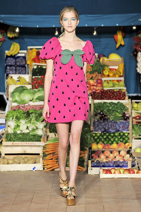 Moschino Cheap and Chic Primavera-Verano 2012