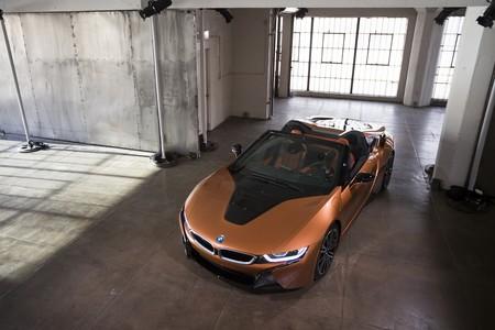 Estas son las trece claves y 30 imágenes del asombroso BMW i8 Roadster visto en persona