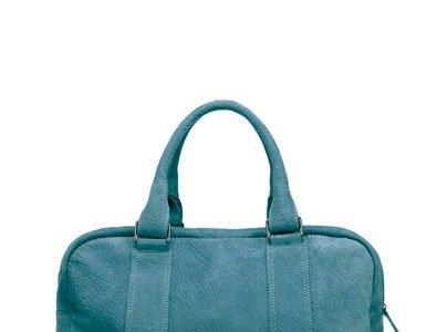 Nos vamos de vacaciones con las espectaculares (y rebajadísimas) bolsas de viaje de Zara