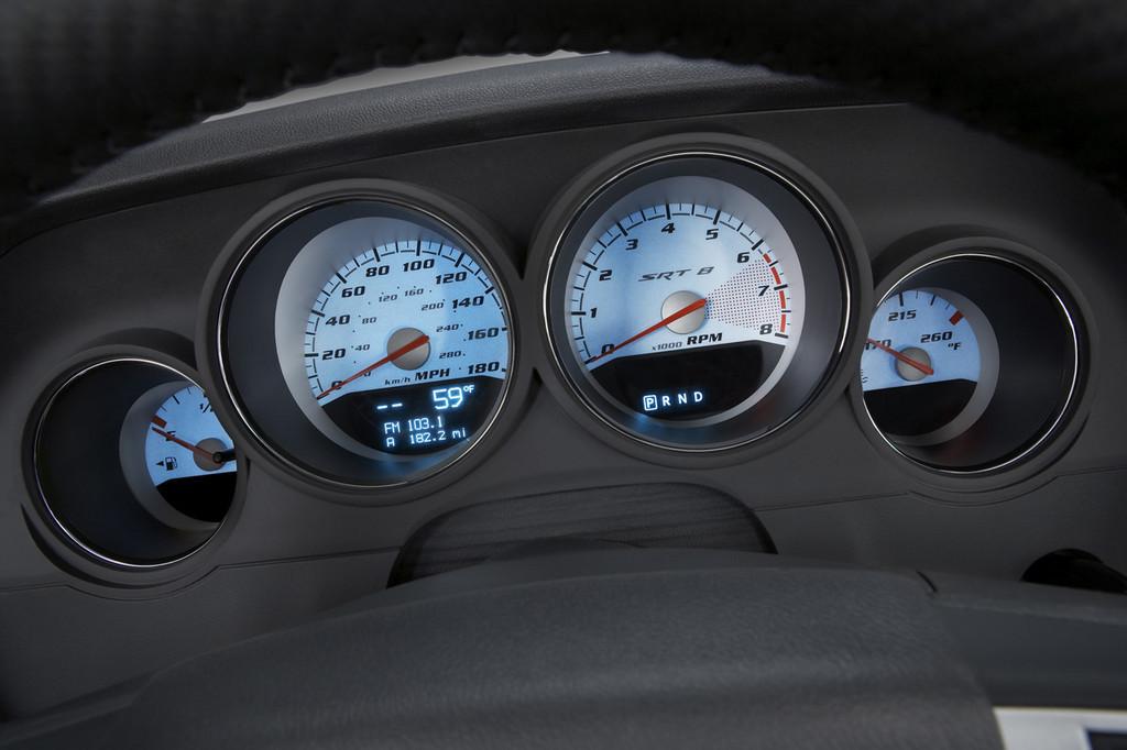 Foto de Dodge Challenger R/T (34/37)