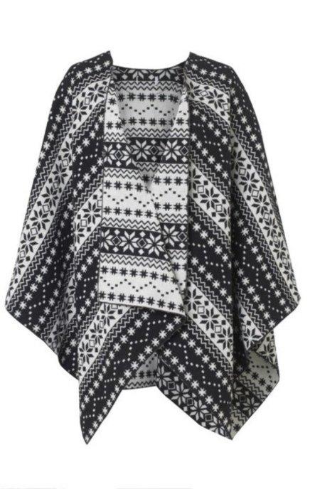 ¡Cazado! El poncho, de 20 euros, que Kate Moss luce en el festival de Isla de Wight
