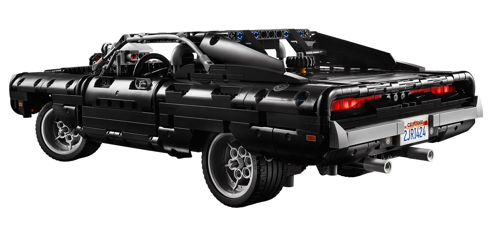 Foto de LEGO Technic Dom's Dodge Charger (13/18)
