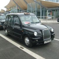 Los taxis de Londres recurren al crowdfunding para luchar contra Uber, necesitan 600.000 libras esterlinas