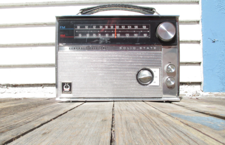 ¿Qué tendría que hacer Apple para activar la radio en sus iPhone?