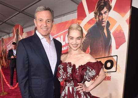 Bob Iger con Emilia Clarke