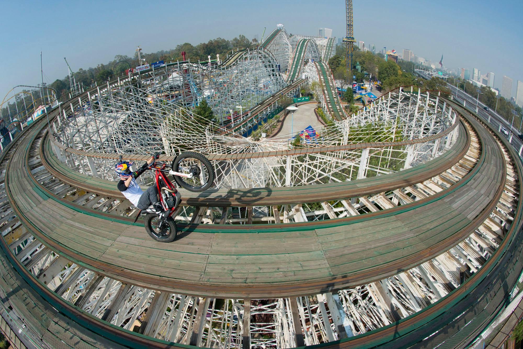 Foto de Red Bull Roller Coaster (1/4)