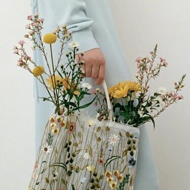 Siete bolsos de Zara para esta primavera tan especiales que harán brillar incluso tus looks en vaqueros