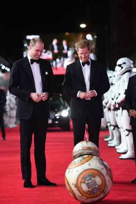 Prince Harry And William Red Carpet Star Wars The Last Jedi 03