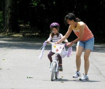 """Una lección práctica de coaching: """"mi hija aprendió a andar en bicicleta después de cuatro horas"""""""