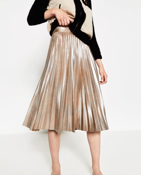 9aab306e3 Las 15 faldas midi de Zara que desearás tener en tu armario