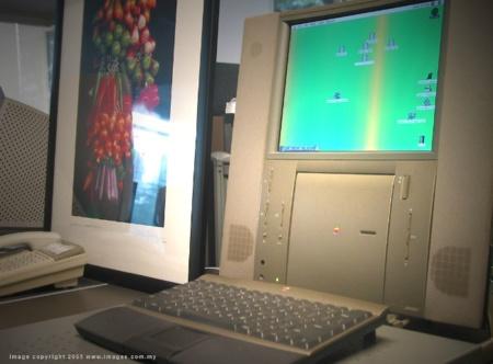 Curioso vídeo del Macintosh 20 Aniversario presentado por Jonathan Ive, ¿os suena?